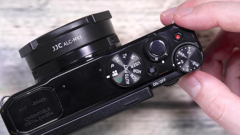 PENTAX MX-1 Classic Black で簡単な動画を撮影してみました