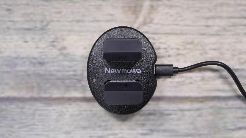 Newmowa NP-FW50 互換バッテリー 2個 + 充電器